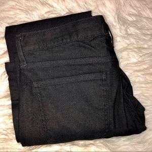 UNIQLO black denim miracle air jeans